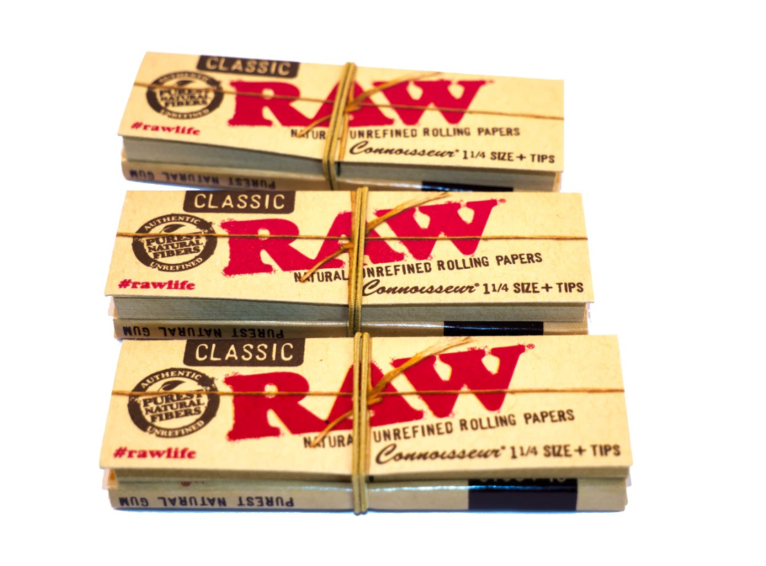 RAW-Classic-1-1-4-Papers-Tips-Smoking-Tobacco-Paper thumbnail 6